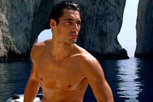Los modelos masculinos de Nueva York necesitan desnudos