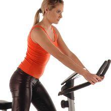 Bicicleta fija, modela tus piernas mientras quemas grasa
