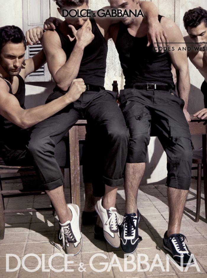 Dolce & Gabbana Primavera-Verano 2010, músculos y erotismo