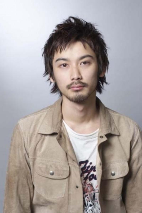 Peinados de hombre 2010- 2011: Estilo asiático