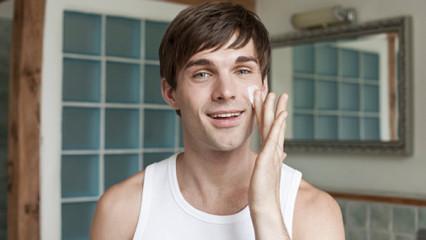 Cuidados cosméticos para hombres Skeen Plus