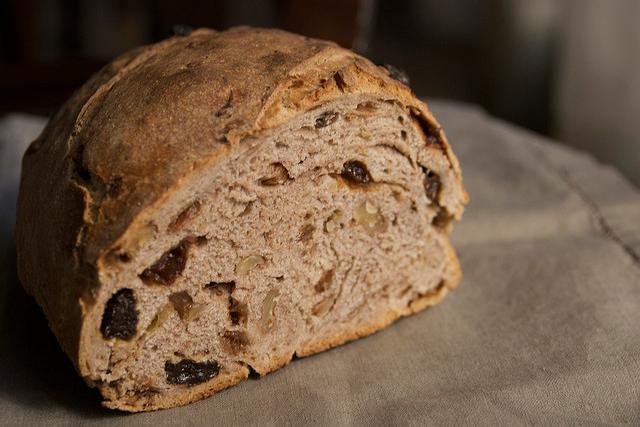 Cómo preparar un pudín de pan integral