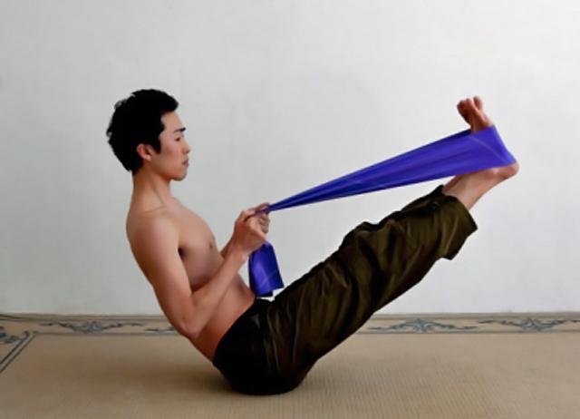 La práctica del fitness con elástico