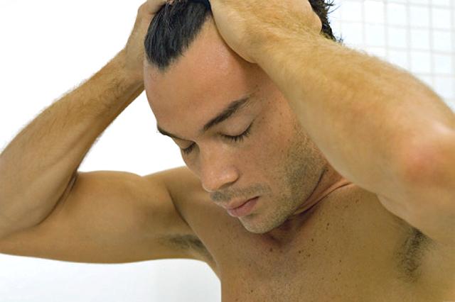 El implante capilar: una técnica eficaz y estética para hombres