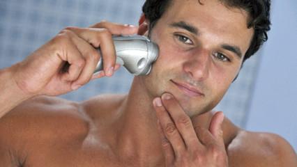 Afeitado hidrante para el hombre de hoy