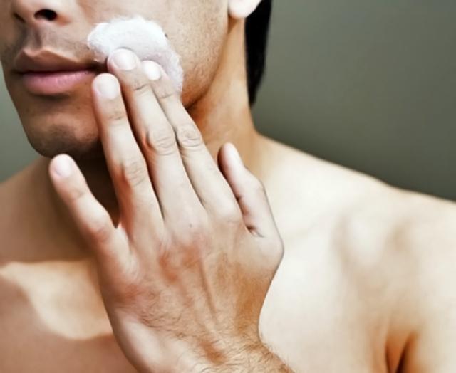 Eficacia del antiarrugas en la piel masculina