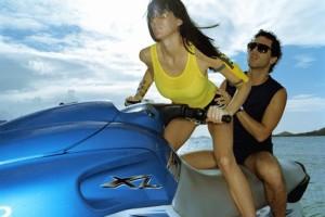 Practicar deportes acuáticos en motos de agua