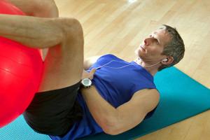 ejercicios en balon de fitness