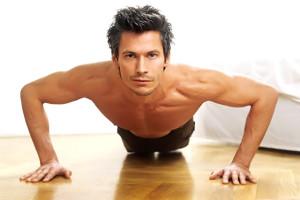 deportista haciendo flexiones