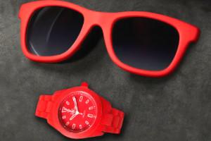 gafas y reloj