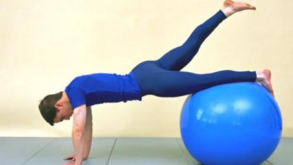 deportista practicando pilates