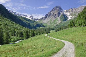 http://www.puntofape.com/wp-content/uploads/2012/08/prevenci%C3%B3n-en-la-montana-300x200.jpg