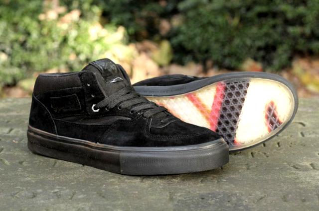 Vans, una colección de zapatos creada por Metallica