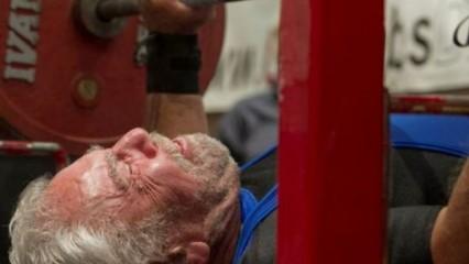 Sy Perlis, con 91 años rompe récord en levantamiento de pesas