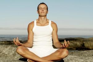El yoga como terapia frente al estrés laboral