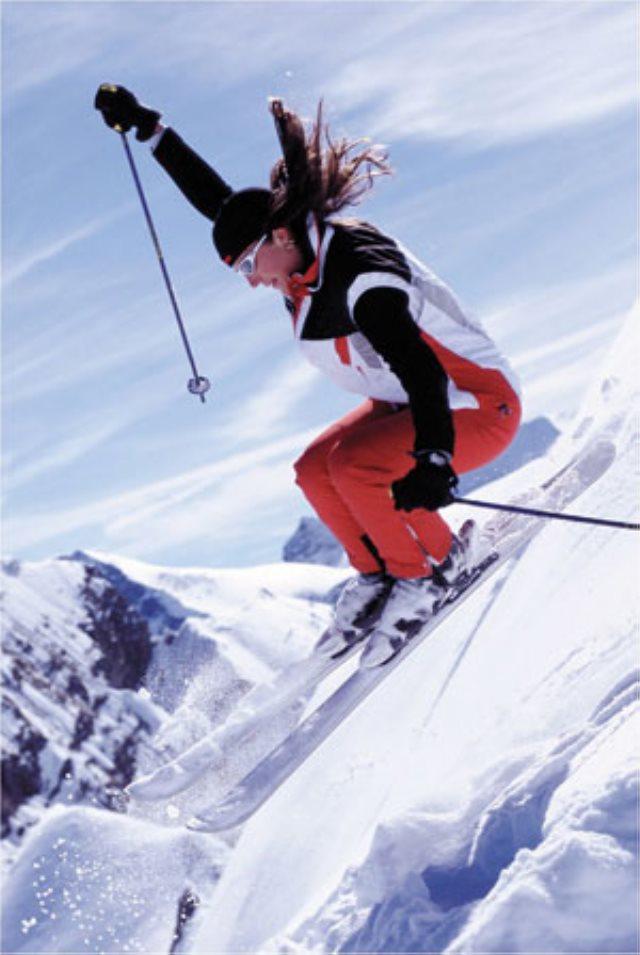 Conoce el Heli esquí, un deporte controvertido
