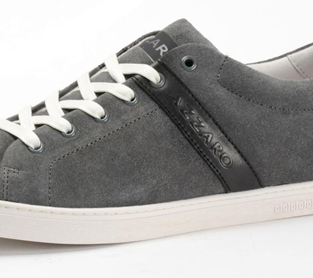 Un look deportivo con los nuevos sneakers de Azzaro