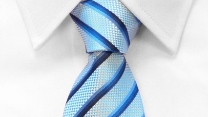 Corbata anudada