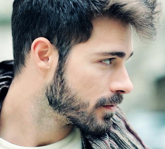 Modelo con barba