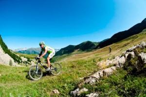 verano y deportes en la montaña