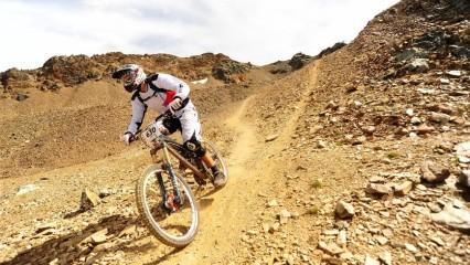 practicar mountain bike