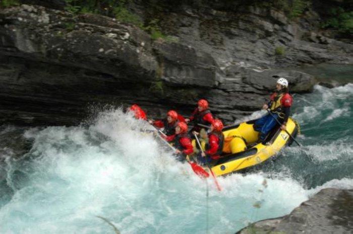 Los mejores lugares de España para practicar rafting