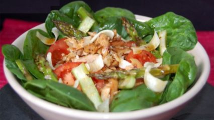 Receta de verano: Ensalada de pollo y espárragos