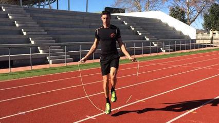 Saltar a la cuerda quema más calorías que hacer running