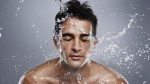 Cuidados cosméticos básicos para hombres con piel seca