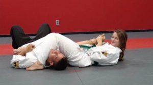 Las artes marciales enseñan a las mujeres a recuperar su autoestima