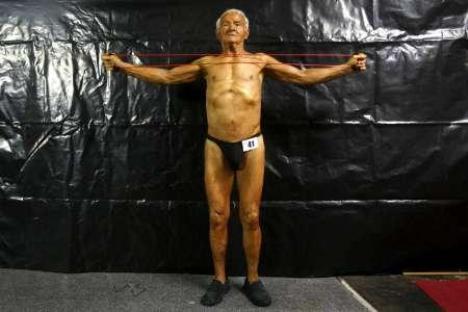 Ray Moon, octogenario campeón de fisicoculturismo